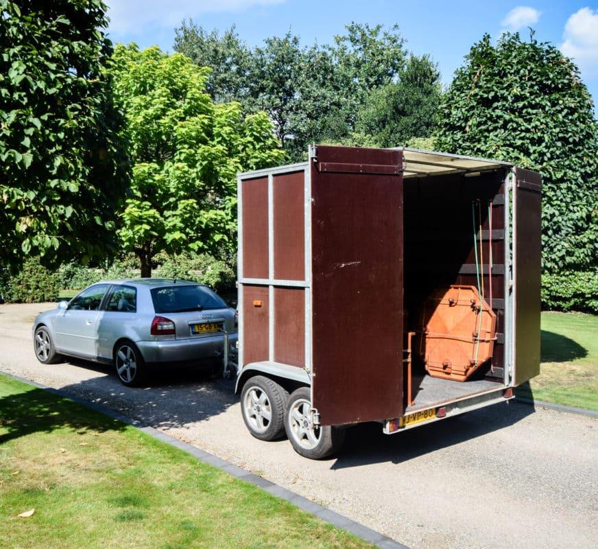 Audi a3 met ongebouwde paardentrailer voor de oud Hollansde spellen