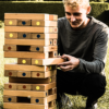 Jongen die het jengatoren spel speelt | Oudhollandsspel.nl
